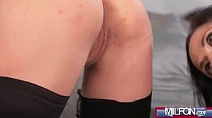 Tyttö ruiskuttaminen seksin aikana