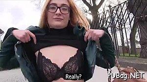 Πώς να πάρει μια γυναίκα να squirt