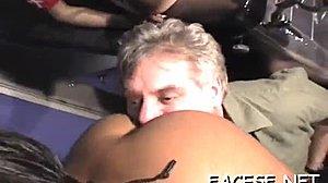 Zadarmo tmavé sedenie na tvári porno