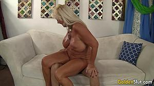 Banging, Sex, Mature, Huge, Mommy, Young, Massage